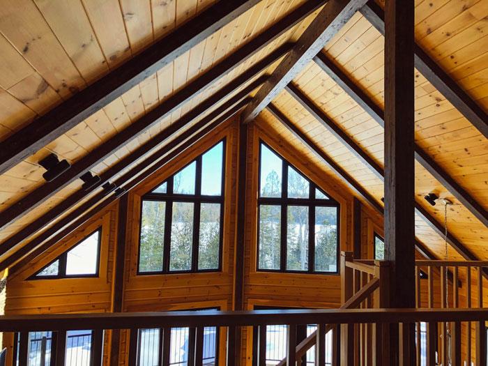 Vďaka oknám pod strechou bude v podkroví omnoho viac svetla
